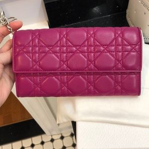 Dior Tri-Color Wallet on Chain.